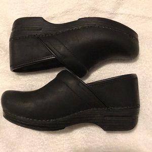 Dansko Woman's Clogs black, worn 2 times, size 8W